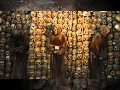Dans les catacombes de paris - 1 7