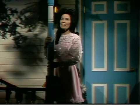 Loretta Lynn - Blue Kentucky Girl (2)