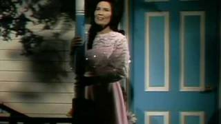 Loretta Lynn - Blue Kentucky Girl (2)