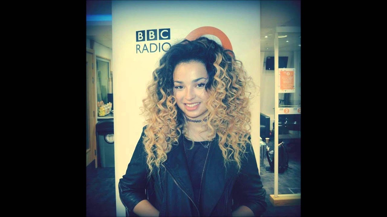 365382a37 Ella Eyre - Comeback (Live Session on BBC Radio 2) - YouTube