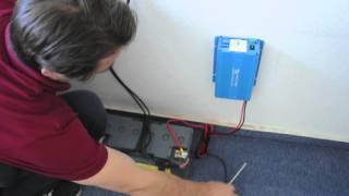 Solaranlage für Garten / Solarzelle, Solarregler, Batterie und Wechselrichter