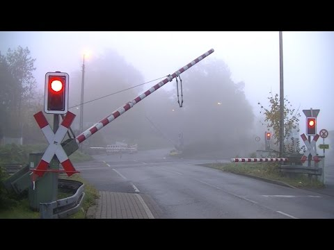 Spoorwegovergang Fröndenberg (D) // Railroad crossing // Bahnübergang