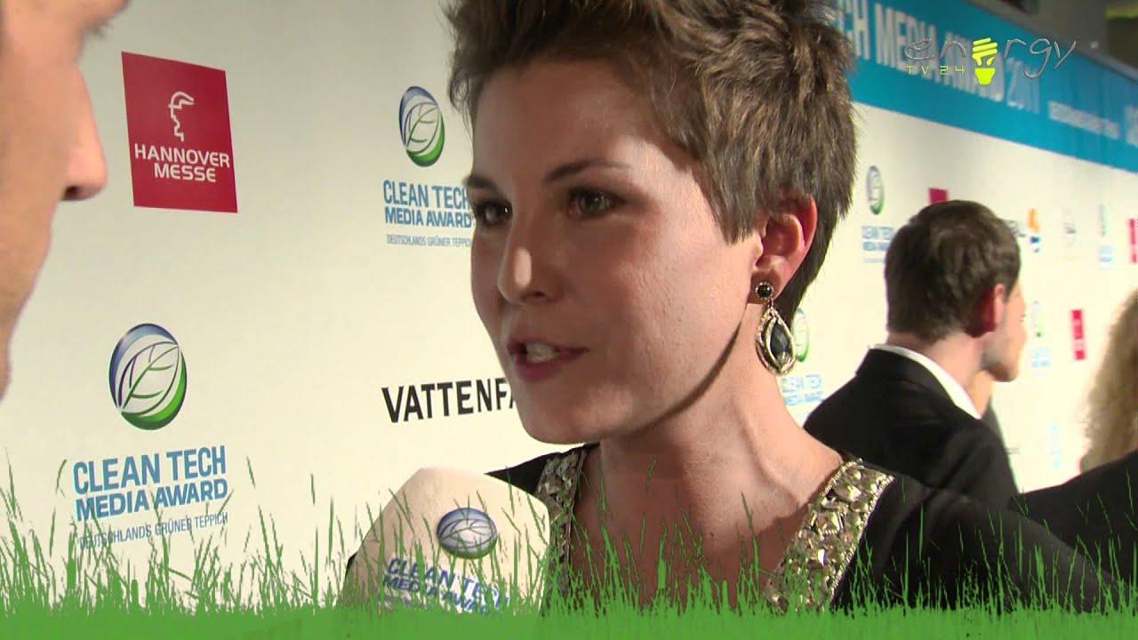 Vanessa Blumhagen auf dem grünen Teppich, CTMA 2011  YouTube