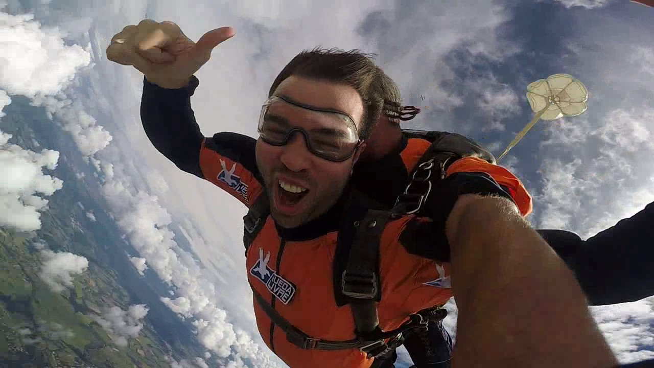 Salto de Paraquedas do Peterson V na Queda Livre Parequedismo 07 01 2017