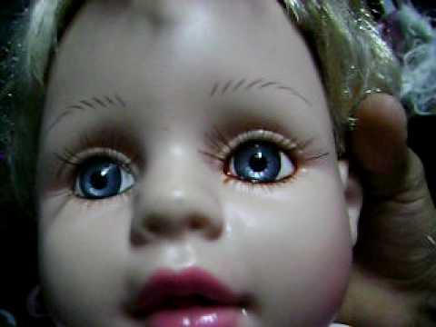 Muñeca Que Llora Sangre 100 Real Youtube