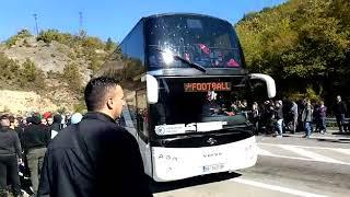 Autobus sa fudbalerima Crvene zvezde se vraća sa Jarinja
