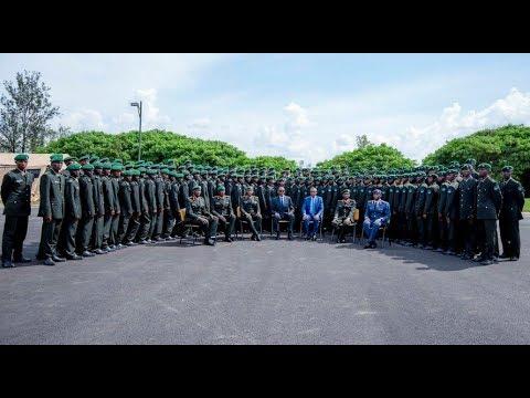 Download Perezida Kagame yashyize abasirikare 320 mu cyiciro cy'abofisiye