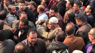 تشييع جثمان أحد ضحايا حادث الدرب الأحمر