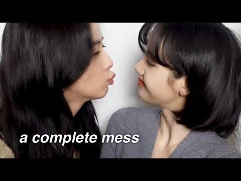 don't put lisa & jisoo in the same room