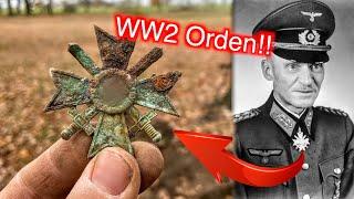 Orden aus dem Zweiten Weltkrieg gefunden bei der Schatzsuche mit einem Metalldetektor (WW2 Sondeln)