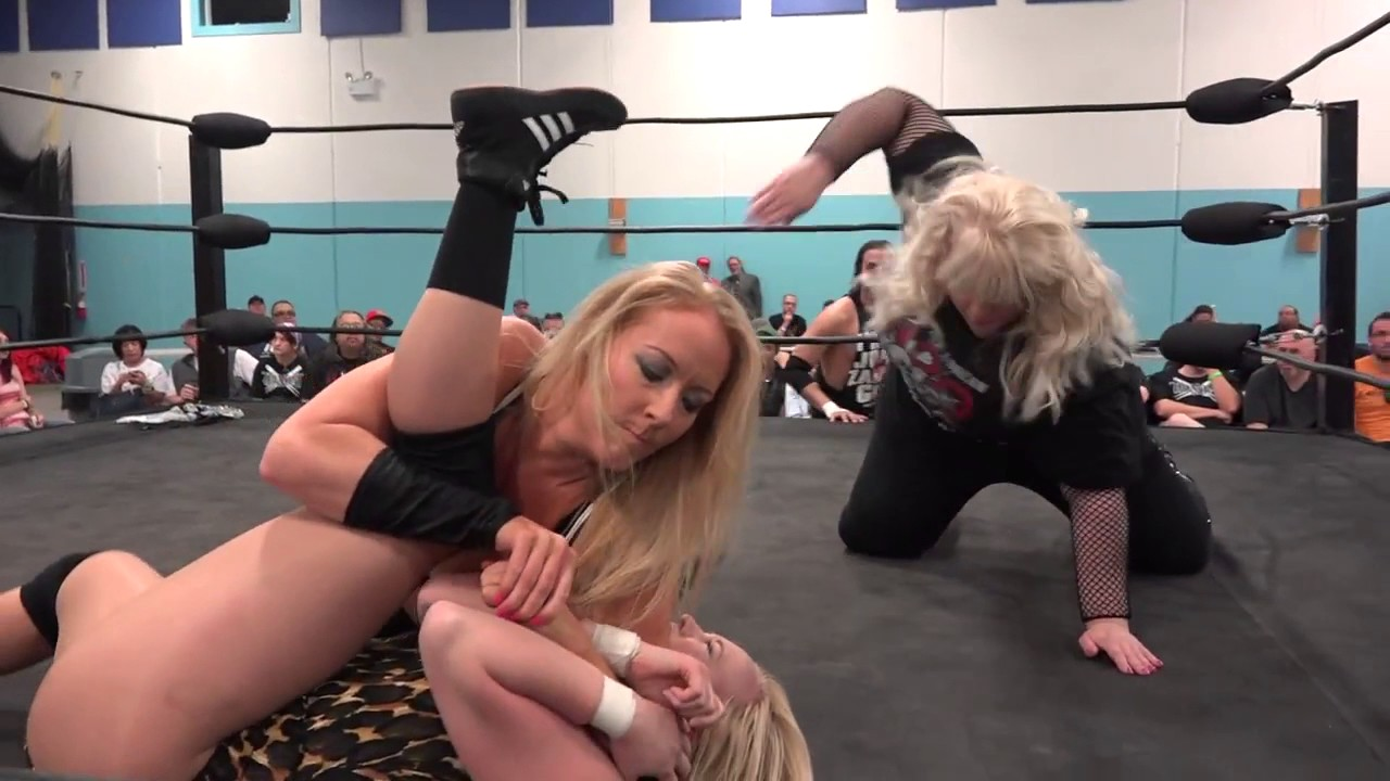 Amber O Neal h20: women's match: penelope ford vs amber o'neal gallows w/ ref amy lee