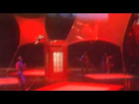 LOVE by Cirque du Soleil - Trampoline - Jobs on stage