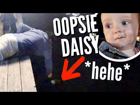 She Kicked Her Shoe Into The Ocean! | Teen Mom Vlog