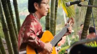 Nelson W Rumantir Indonesian Maestro Classic Guitar