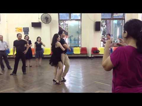 Bài Rumba Lop 4 Thầy Đức Thắng- Mai Anh Th 7/2013
