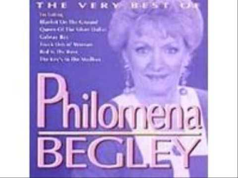 Philomena Begley Blanket On The Ground