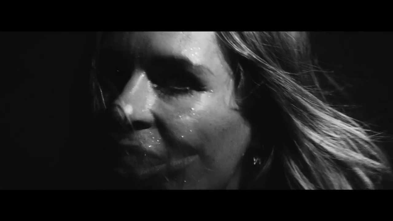 Sandra van Nieuwland - Hunter (Official Video)