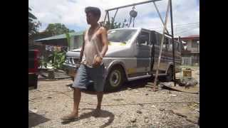 Towing went wrong / Jeepney destruction...