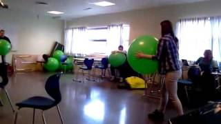 Spacy.Tv - Зеленый мяч девушке не помог