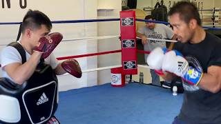 """[OFFICIAL] - How to do mitts with professional boxer Mercito """"No Mercy"""" Gesta & Coach Marvin Somodio"""