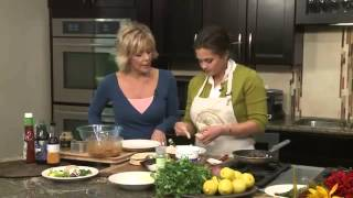 Repeat youtube video BBQ Chicken Taco with Carmelized Onions with Registered Dietitian, Maya Nahra