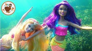 Barbie Aventuras. La Sirenita Exploradora conoce a la Sirenita Ariel | Muñecas Barbie Español