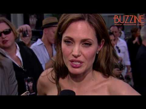 Salt: Red Carpet Premiere BUZZscene Interviews