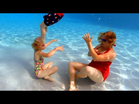 Chaud Summer Fun dans la piscine thumbnail