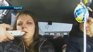 В Саратове полицейские бросились в погоню за нетрезвой дамой на отечественной легковушке, которая сб