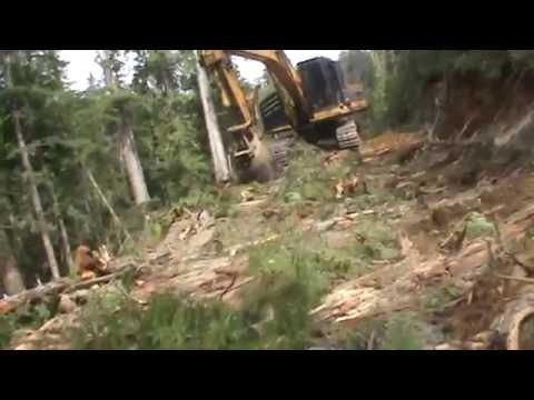 John Deere 3554 roadbuilder, Shushartie River, BC