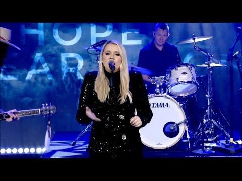 Gabby-Barrett-Sings-Her-Hit-I-Hope
