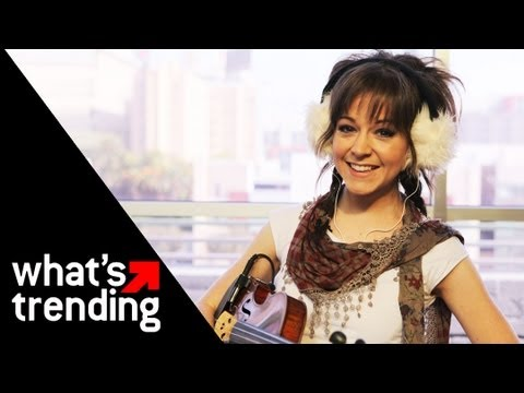 "Lindsey Stirling Performs ""Celtic Carol"" LIVE 