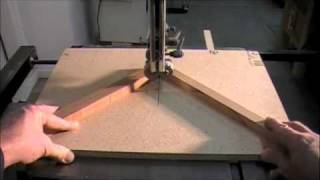 Miter Sled For Band Saw - Woodworking How To Project For Cutting Small Wood Pieces Safely