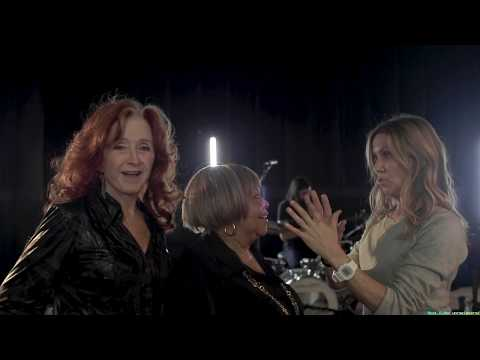Lee Valsvik - Oh my!  This is great....Sheryl Crow, Bonnie Raitt & Mavis Staples!