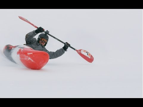 Video: Snow kayaking behind a Volkswagen