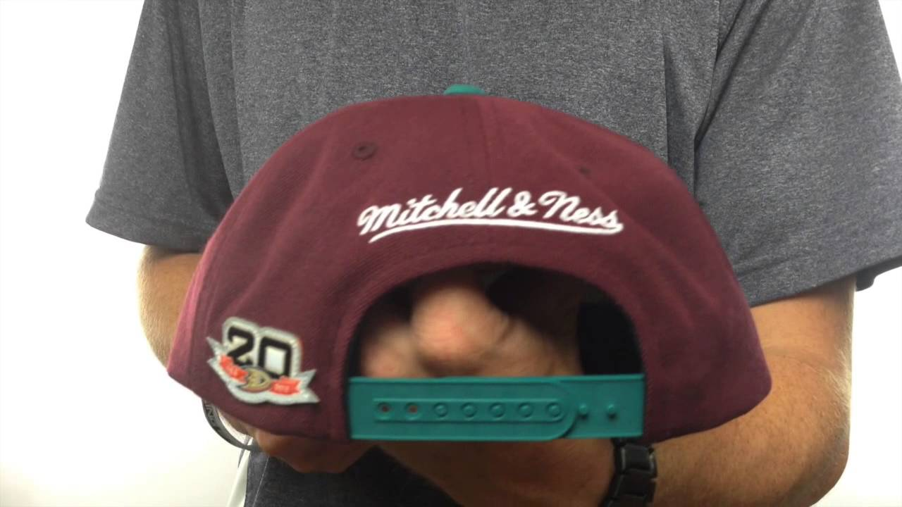 new concept 6969f 914ef Mighty Ducks  BASIC VINTAGE SNAPBACK  Plum-Teal Hat by Mitchell   Ness -  YouTube