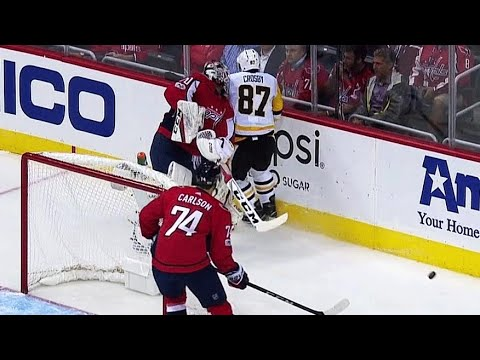 Crosby getting into shenanigans with Holtby