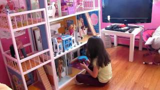 Imaginarium doll house