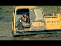 Can Teamwork and Some Heavy Machinery Free Parker's Excavator From the Mud?