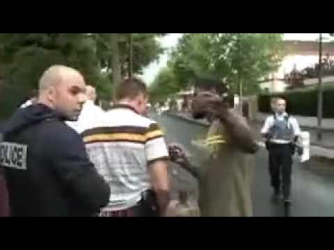 France police raciste ,la banlieue brûle