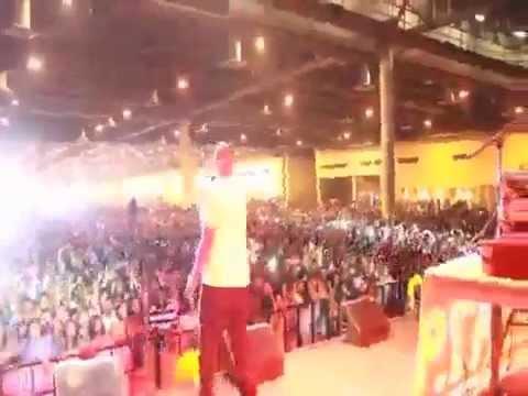 "Z-Ro & Slim Thug perform "" Summertime "" live"