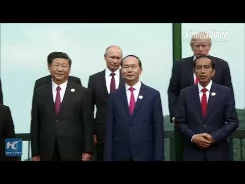 APEC leaders pose for family photo in Da Nang, Vietnam