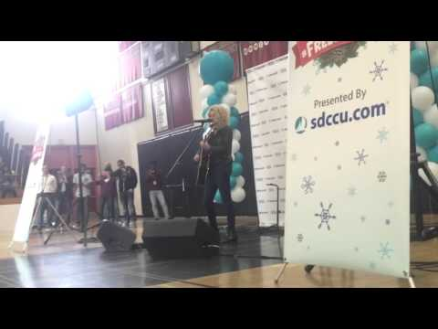 Tori Kelly Unbreakable Smile Live In San Diego 2015