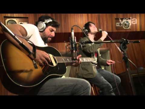 VEJA Música: Filipe Catto canta 'Adoração'