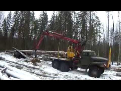 Заготовка дров Минитрактор Мтз Белорусь пилит дрова (1.