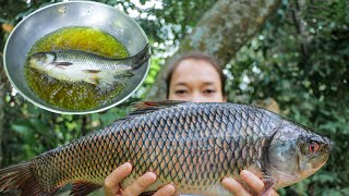 Wow! Fried Fish with Tamarind sauce in oil recipe How to fried Fish with Tamarind sauce in village
