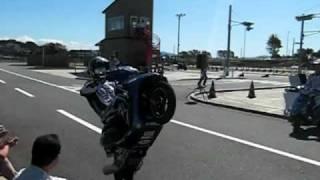 安城自動車学校バイクショー 実はこんなにも上手。ウィリーしながらぐー...