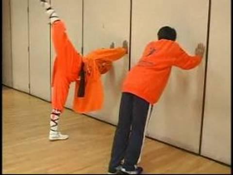 Stretching - Shaolin Gung Fu, Muy Thai, Karate Exercises