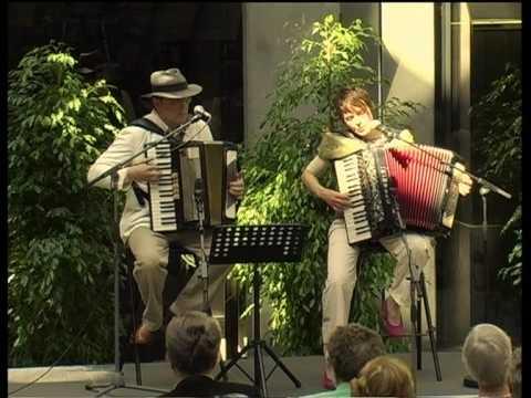 Le Cygne / De Zwaan / Der Schwan / The Swan - Accordéon Mélancolique (Saint-Saëns)