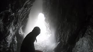 屋久島プチ洞窟探検・ケービング・滝行ツアー